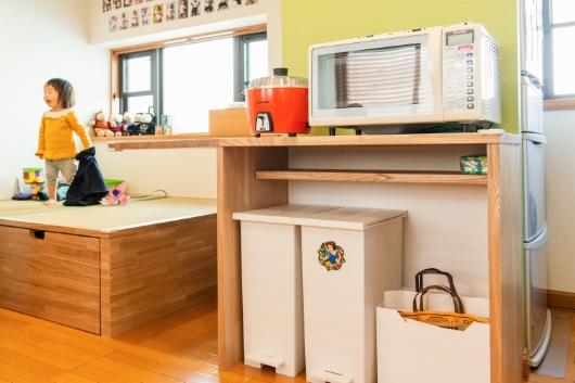 欲しかった家電置き場は、造作ならではのオリジナル棚に。